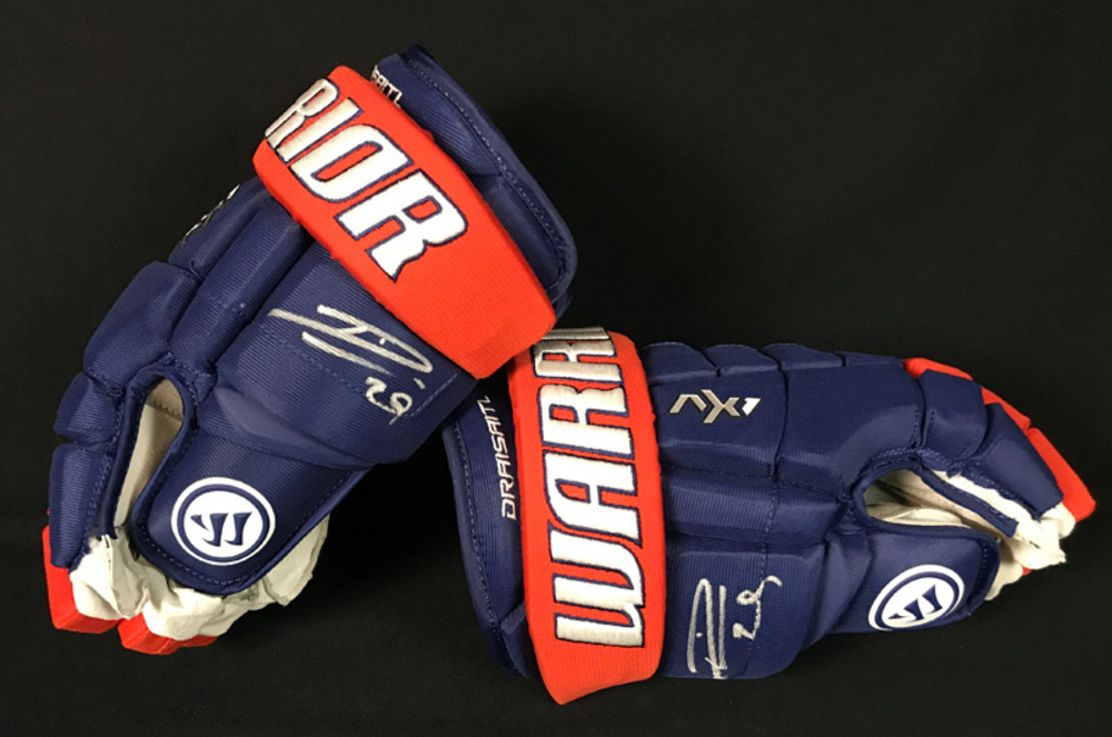 Leon Draisaitl #29 - Autographed 2018-19 Edmonton Oilers New Team Issued Warrior Hockey Gloves (New / Not Game-Used)