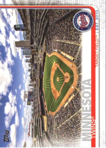 Photo of 2019 Topps #424 Target Field