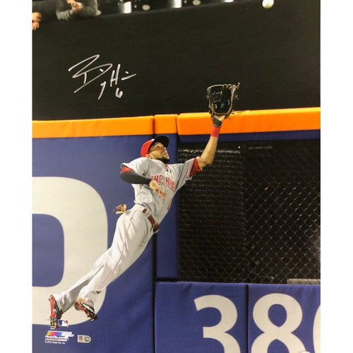 Photo of Billy Hamilton -- Autographed Photo (16'' x 20'') -- Fielding