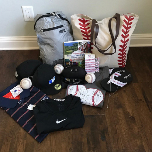 """Photo of UMPS CARE AUCTION: MLB Umpire Bill Miller """"His and Hers"""" Gift Box"""
