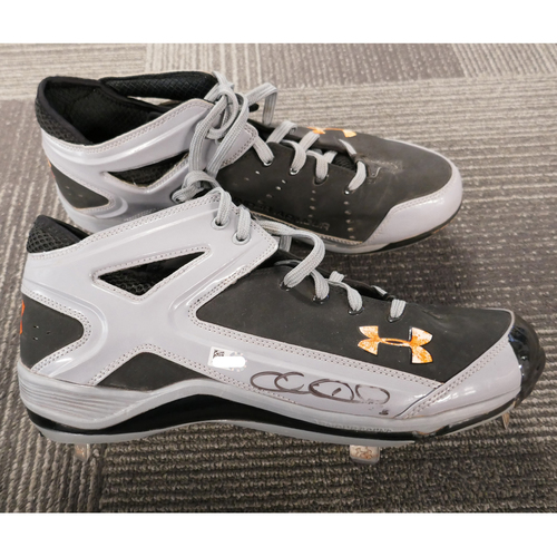 Photo of San Francisco Giants - Autographed Cleats - Chris Heston (pair) - Size 12