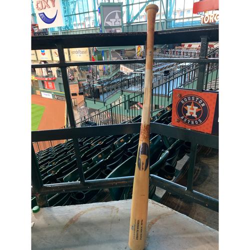 Photo of Yordan Alvarez 2019 Game-Used Broken Bat - 10/13/19 vs NYY, ALCS Game 2