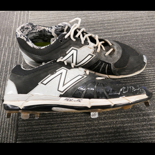 Photo of San Francisco Giants - Autographed Cleats - Mike Broadway (pair) - Size 12.5