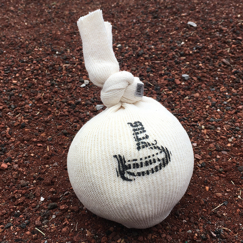 Photo of Game Used Rosin Bag - Jacob deGrom 7 IP, 0 ER, 8 K's; Rajai Davis Pinch Hit 3 RBI Double in the 8th Inning; Mets Win 3-0 - Mets vs. Dodgers - 9/14/2019