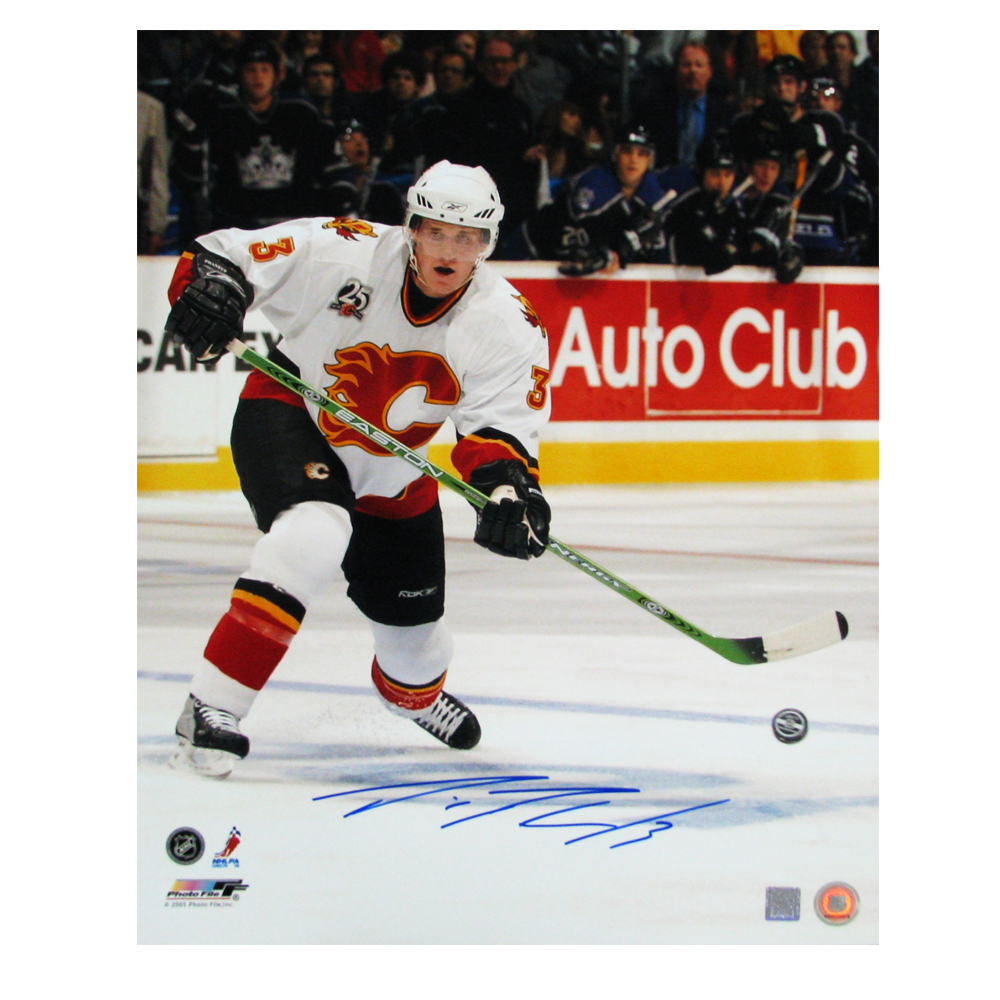 DION PHANEUF Signed Calgary Flames 16 X 20 Photo  - 79033