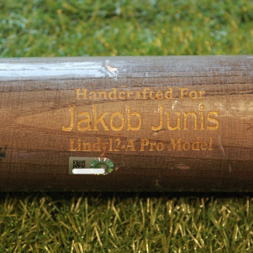 Photo of Team-Issued Bat: Jakob Junis