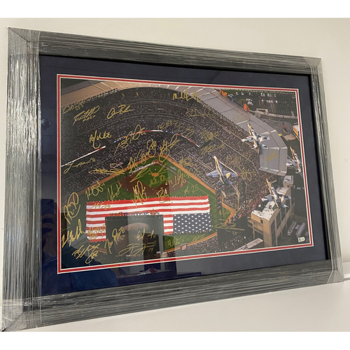 Photo of 2017 Atlanta Braves Team Signed Framed Photo