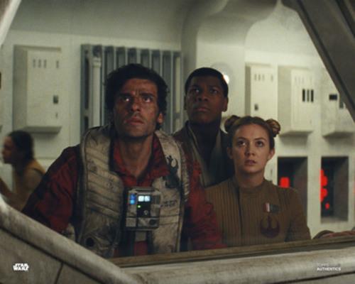 Poe Dameron, Finn and Lieutenant Connix