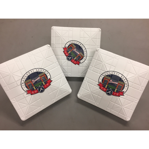 Photo of Holiday Deal of the Day: SunTrust Park Opening Day New Bases - Today Only! $200 (Not MLB Authenticated)