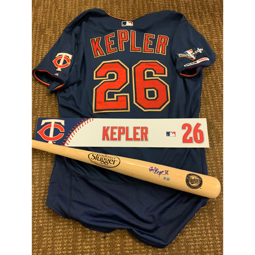 Photo of Max Kepler Bundle