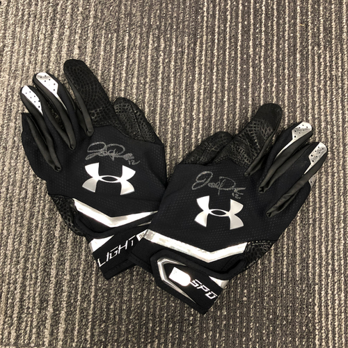 Photo of 2018 Autographed Batting Gloves - #12 Joe Panik