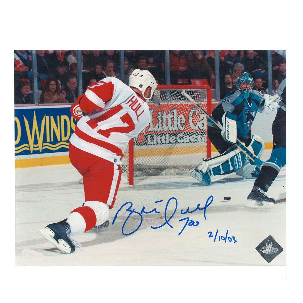 BRETT HULL Signed 700th Goal Detroit Red Wings 8 X 10 Photo - 70058