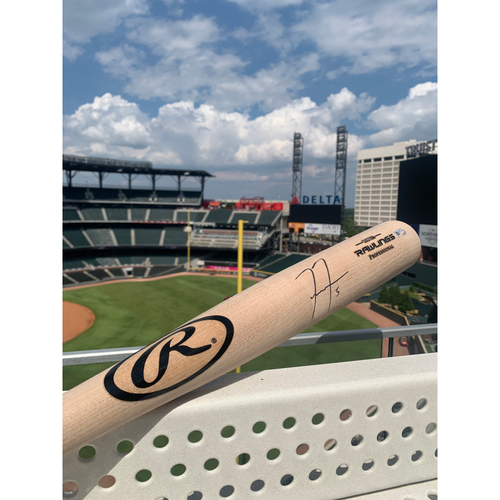 Photo of Freddie Freeman MLB Authenticated Autographed Bat