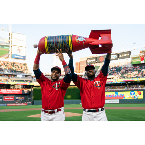"Photo of Twins ""Bomba Squad"" Trophy"