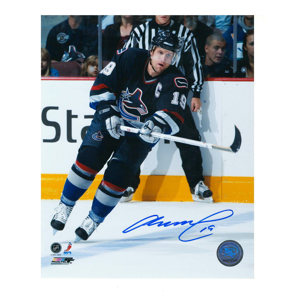MARKUS NASLUND Signed Vancouver Canucks 8 X 10 Photo - 70065