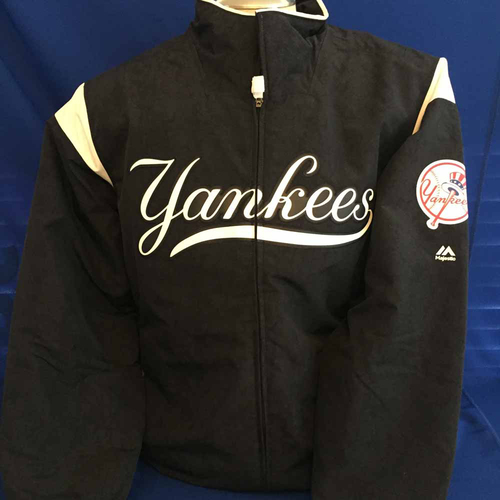 Photo of UMPS CARE AUCTION: New York Yankees Thermabase Majestic Jacket, Size X-Large