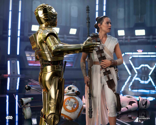 Rey, C-3PO, BB-8 and D-0