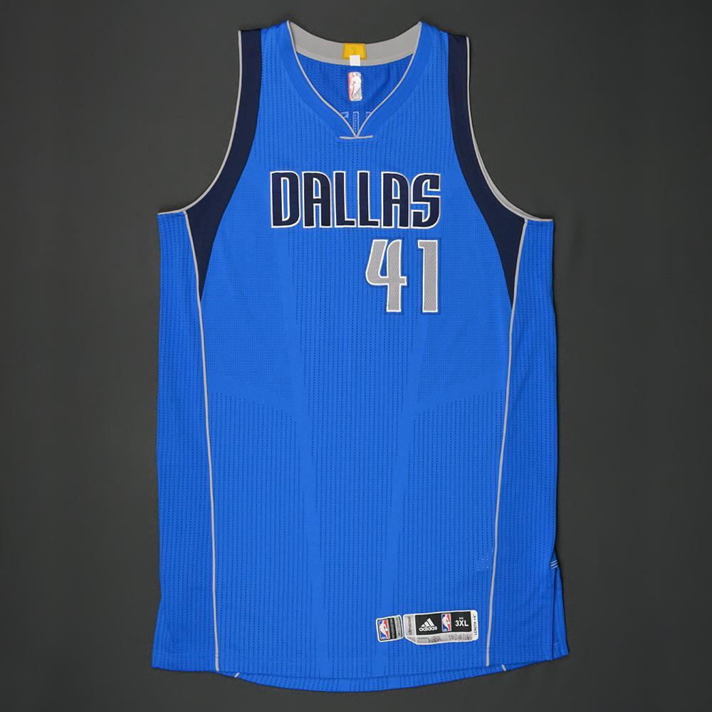 finest selection 01857 cdf0a Dirk Nowitzki - Dallas Mavericks - Kia NBA Tip-Off '16 ...