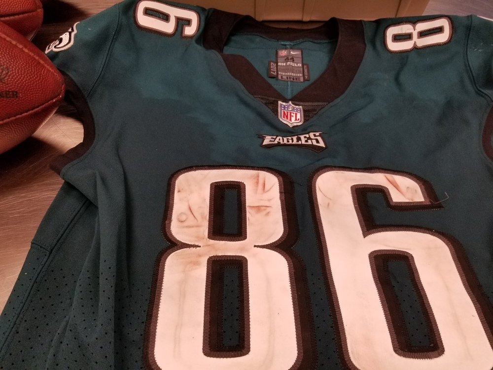 lowest price b1551 2d65b NFL Auction | CRUCIAL CATCH - EAGLES ZACH ERTZ GAME WORN ...