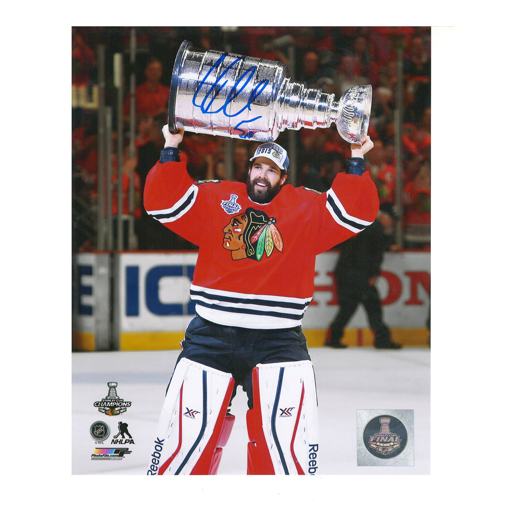 COREY CRAWFORD Signed Chicago Blackhawks 2015 Stanley Cup Champions 8 X 10 Photo - 70073
