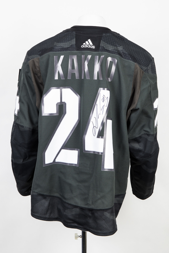 Veterans Night warm up jersey worn and signed by #24 Kaapo Kakko