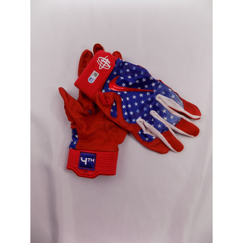 Photo of Robinson Chirinos Game-Used 2018 Stars & Stripes Batting Gloves - Worn on 7/4/18
