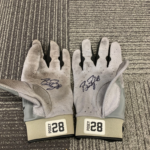 2018 Team Issued Autographed Batting Gloves - #28 Buster Posey