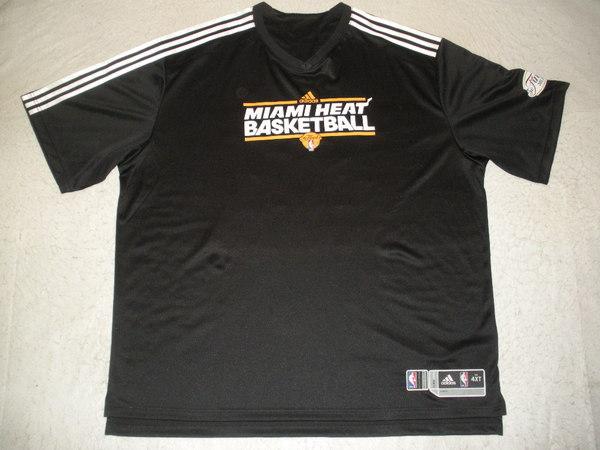 c63b4f738 Dexter Pittman - Black Finals Shooting Shirt Game-Issued