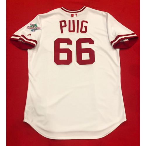 Photo of Yasiel Puig -- Team Issued 1990 Throwback Jersey -- Cardinals vs. Reds on Aug. 18, 2019 -- Jersey Size 48