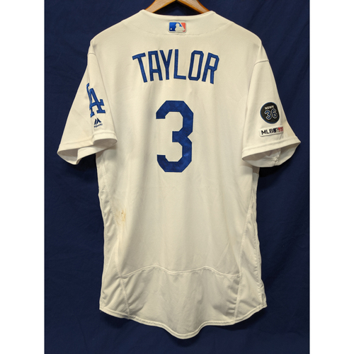 Photo of Los Angeles Dodgers Chris Taylor Game-Used Home Jersey - 8/20/19 - 9th Home Run of 2019
