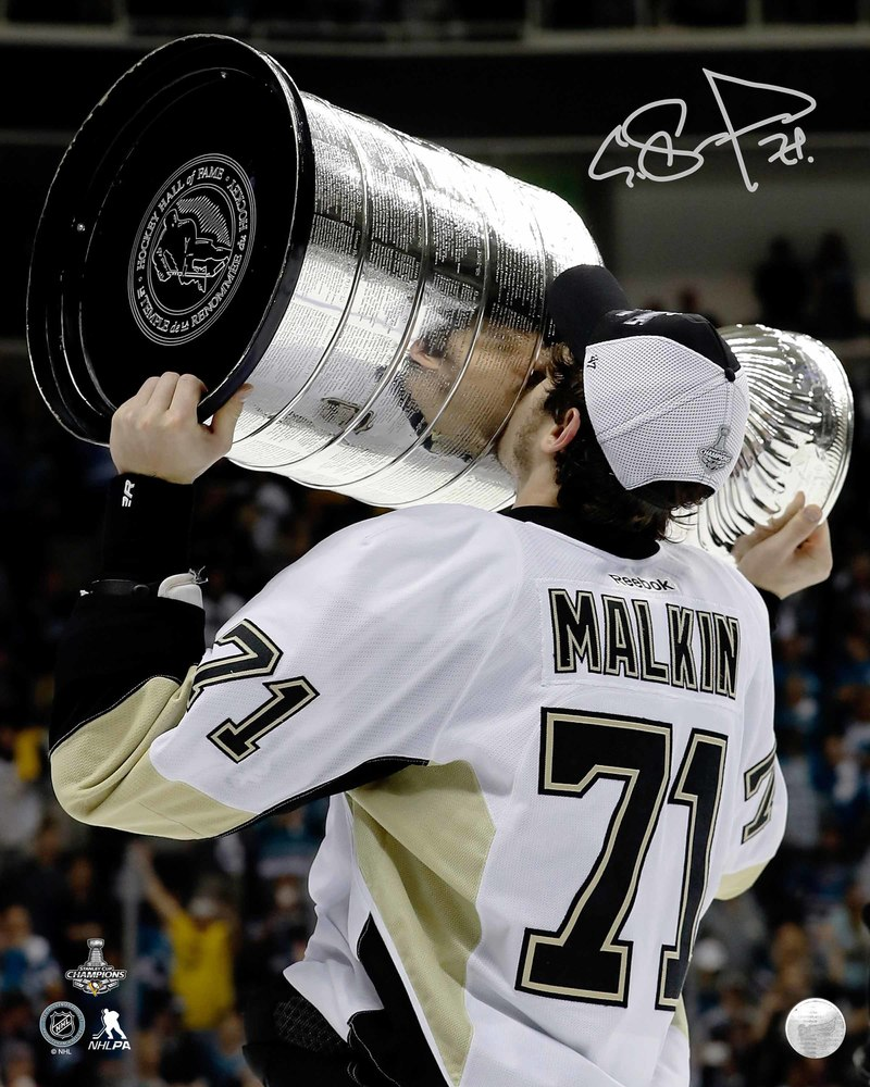 Evgeni Malkin - Signed 16x20 Unframed Pittsburgh Penguins 2016 Kissing Cup-V