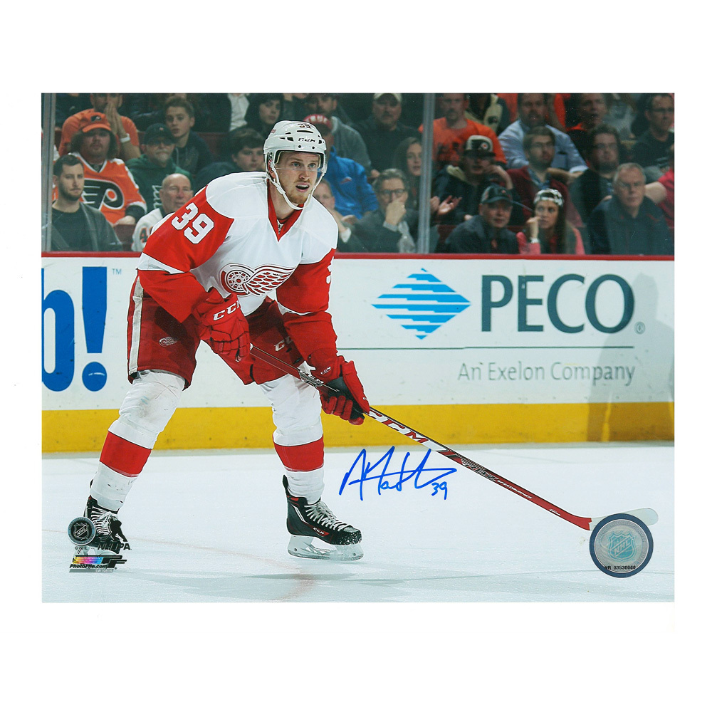 ANTHONY MANTHA Signed Detroit Red Wings 8 X 10 Photo - 70105