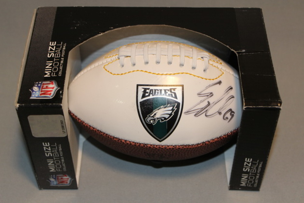 EAGLES - EVAN MATHIS SIGNED EAGLES MINI PANEL BALL