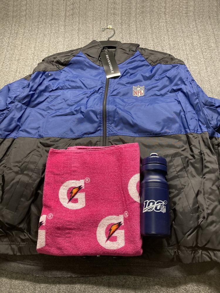 NFL - Crucial Catch Bundle - G-III REVERSIBLE BLACK/BLUE   JACKET W / NFL LOGO (XL)+ GATORADE LOGO PINK TOWEL + NFL 100 Blue Water Bottle