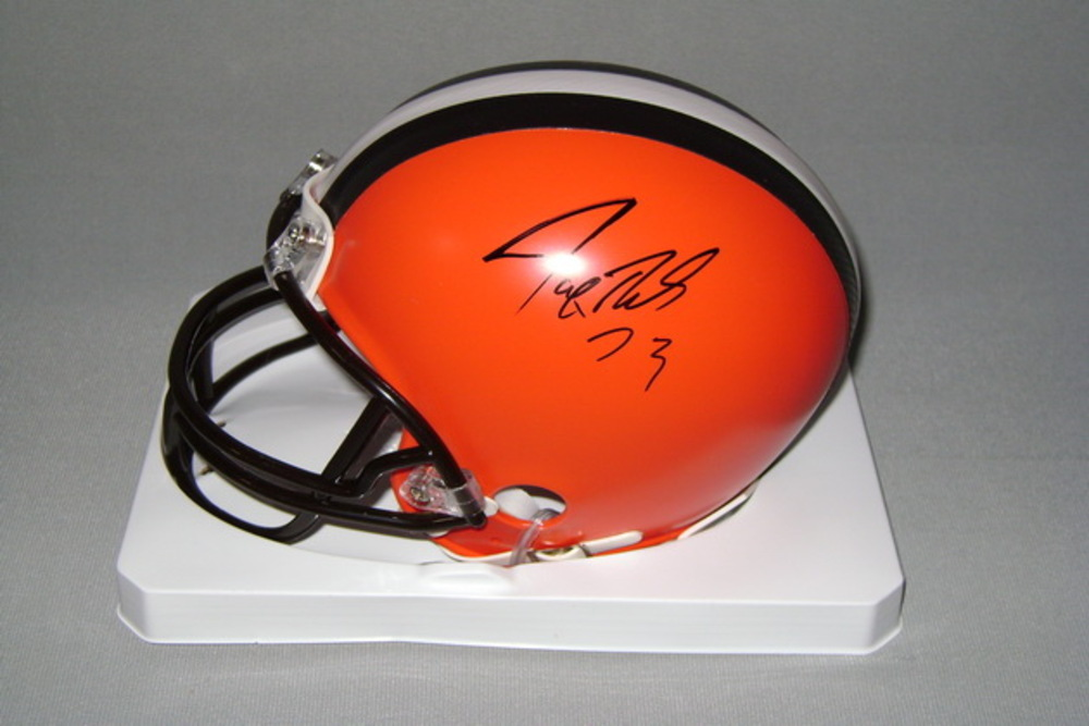 NFL - BROWNS JOE THOMAS SIGNED BROWNS MINI HELMET