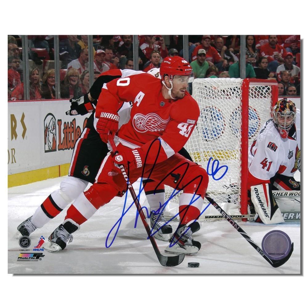 Henrik Zetterberg Autographed Detroit Red Wings 8x10 Photo