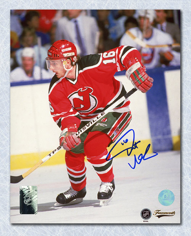 Pat Verbeek New Jersey Devils Autographed Game Action 8x10 Photo