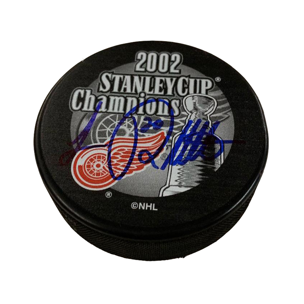 LUC ROBITAILLE Signed Detroit Red Wings 2002 Stanley Cup Puck