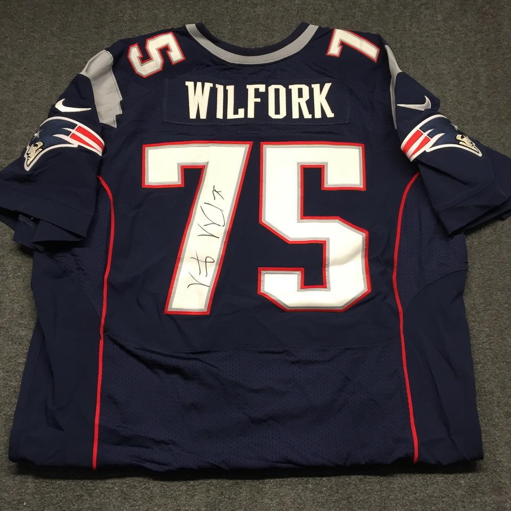 NFL Auction   Patriots - Vince Wilfork signed authentic Patriots ...
