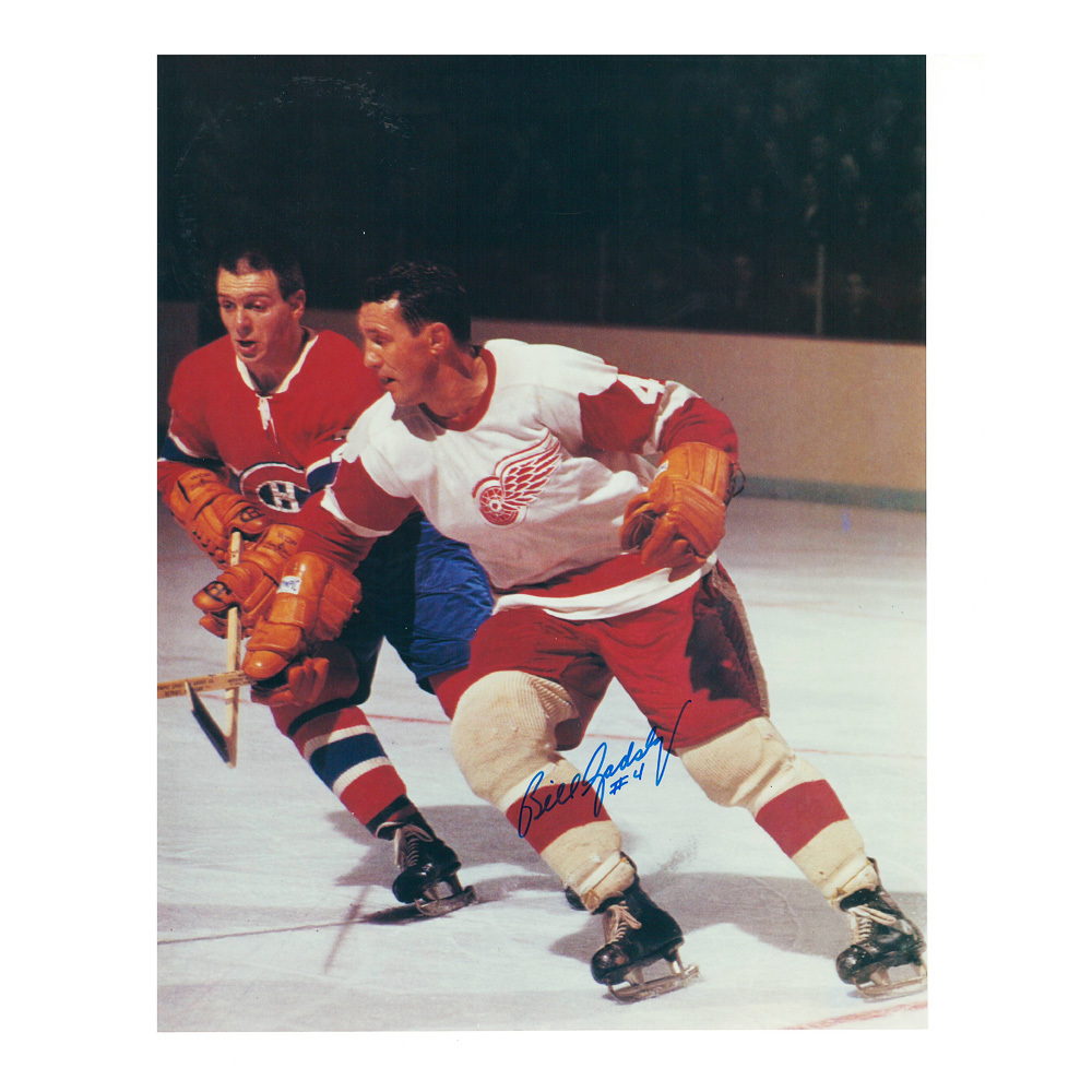 BILL GADSBY Signed Detroit Red Wings 8 X 10 Photo - 70122