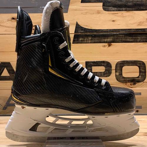 Travis Dermott 2020-21 Worn Bauer Skates