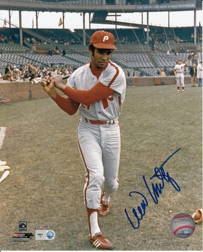 Photo of Willie Montanez Autographed 8x10