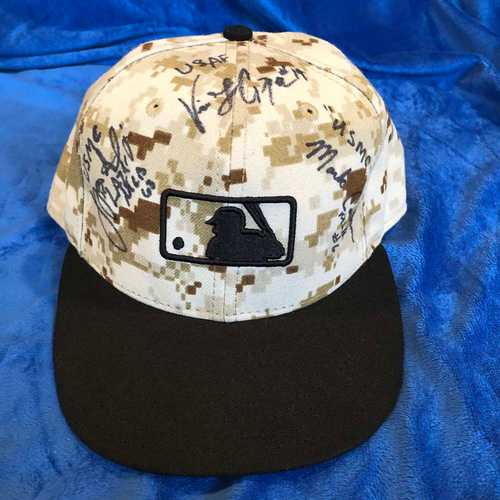Photo of UMPS CARE AUCTION: MLB Camo Cap Signed by Umpire Veterans, Size 7 1/8
