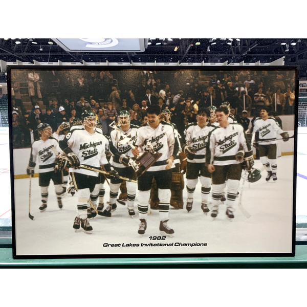 Photo of 1983 CCHA Tournament Champions Banner and 1982 GLI Champion Framed Photo