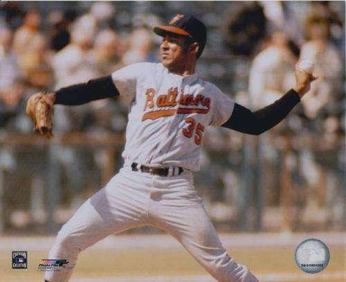 Photo of Mike Cuellar Unsigned 8x10