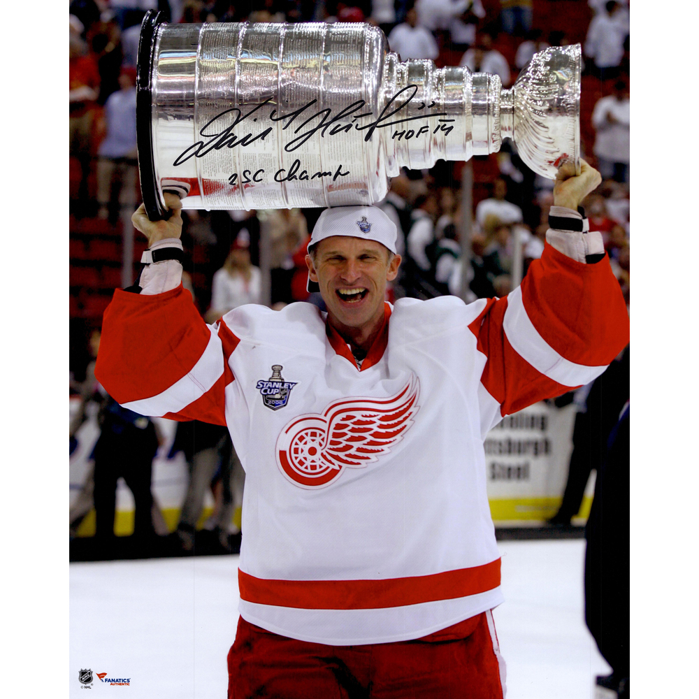 Dominik Hasek Detroit Red Wings Autographed 16