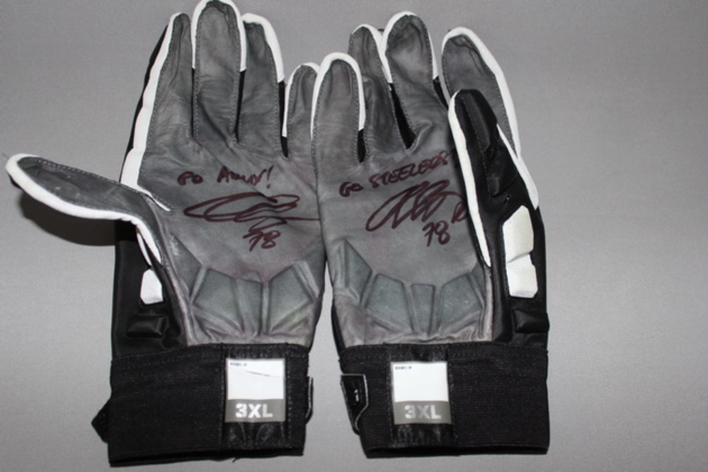 STS - STEELERS ALEJANDRO VILLANUEVA SIGNED AND GAME WORN GLOVES (NOVEMBER 13 2016)