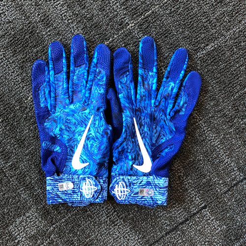 Photo of Andrew McCutchen 5x ALL-STAR - Father's Day Game-Used Batting Gloves