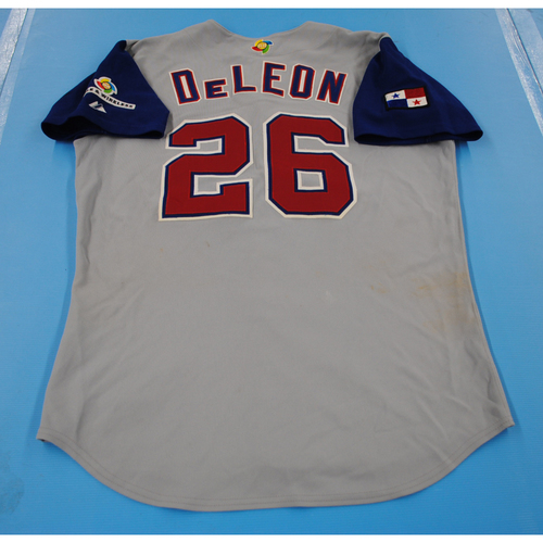 Photo of 2006 Inaugural World Baseball Classic: Audes De Leon Game-worn Team Panama Road Jersey