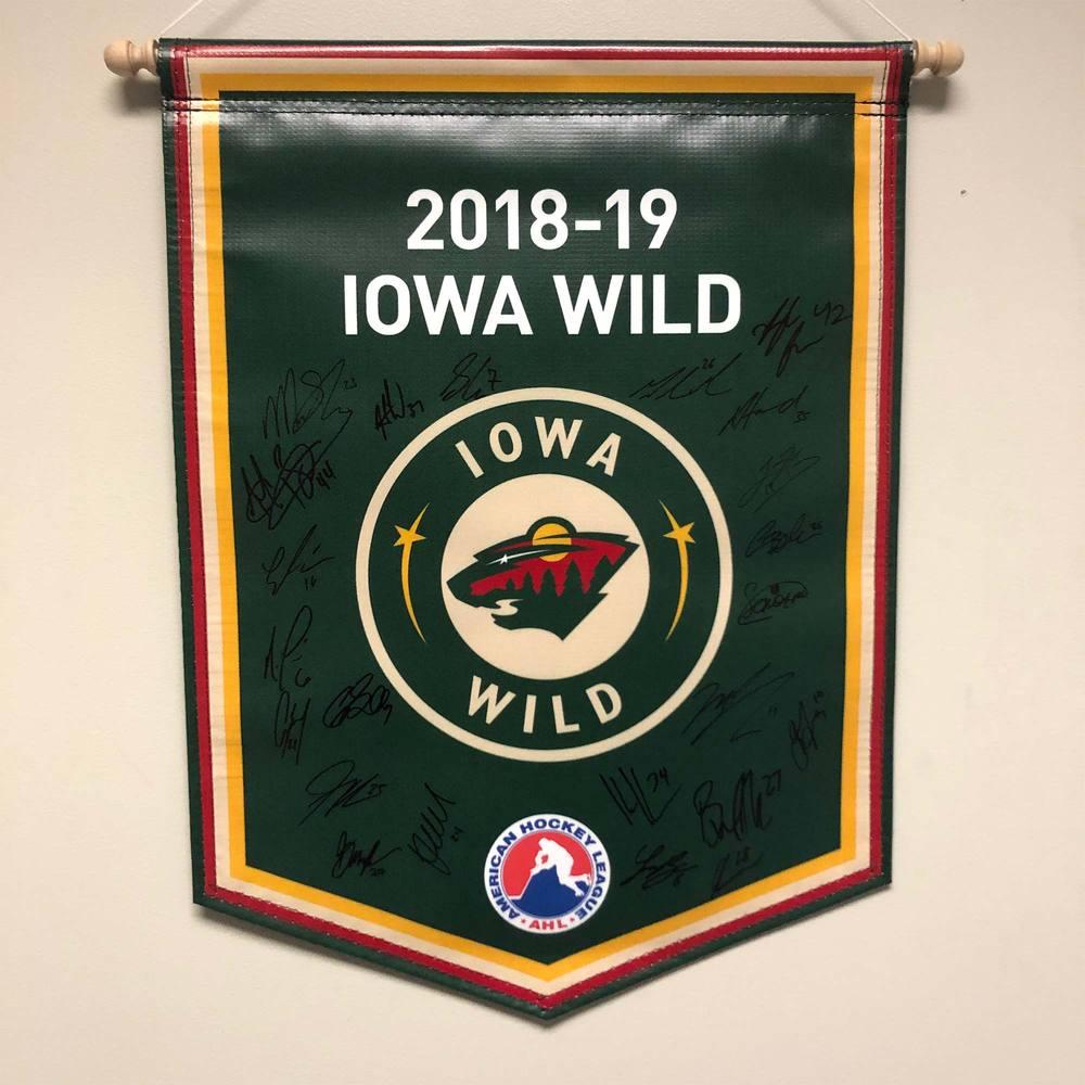 2018-19 Iowa Wild Team-Signed Banner